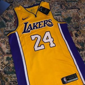 🔥🔥Los Angeles Lakers Kobe Jersey🔥🔥
